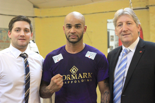Leon McKenzie with sponsors Formark Scaffolding prior to his fight at Bethnal Green